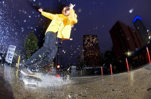 Скейт в дождь